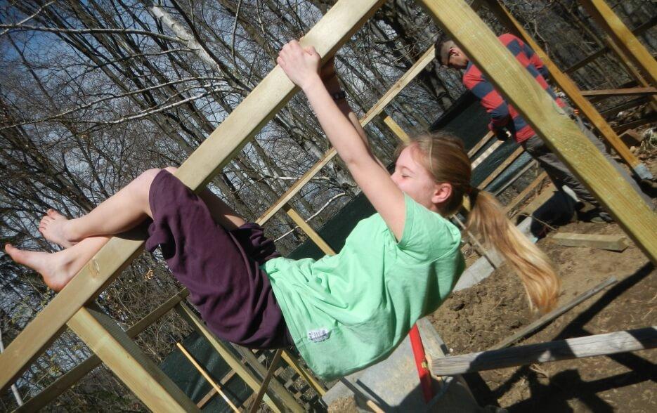 Kinder lernen durch Begeisterung beim Tun (c) Joya