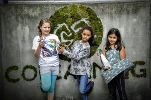 Moosgraffiti mit Kindern von COLEARNING WIEN